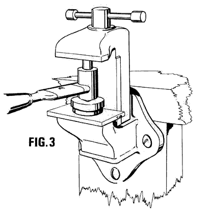 fig 3. moulder in action with a bench vice provideng pressure